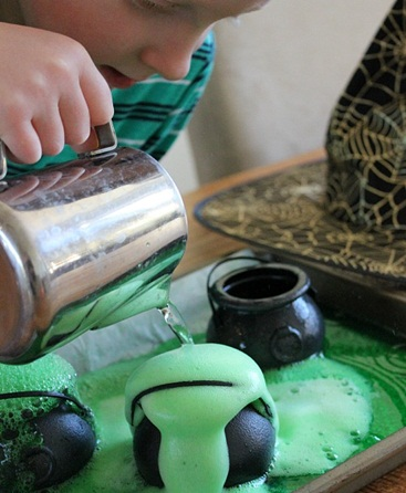 How to Make a Bubbling Halloween Potion on the Double Double!