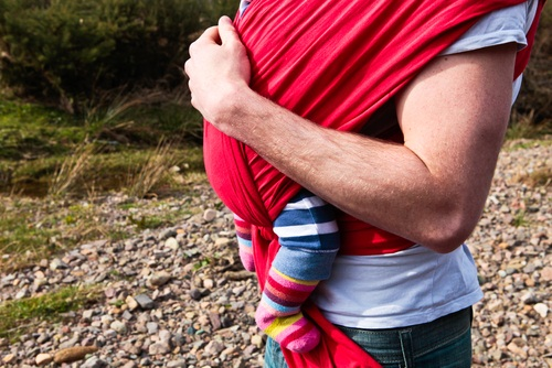How to Tie a Baby Sling (the Easy Way!)